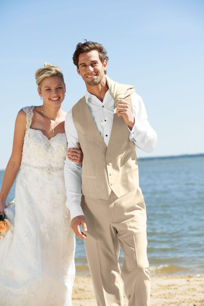 Tan Suits Are Great In Autumn Fall Because They Pair With The Traditional Colors Deep And Dark Reds Greens Orange